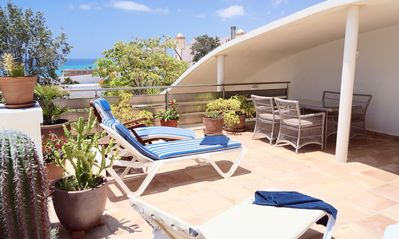 Photo for Villa with private pool and free Wi-Fi, close to the sea, sheltered courtyard