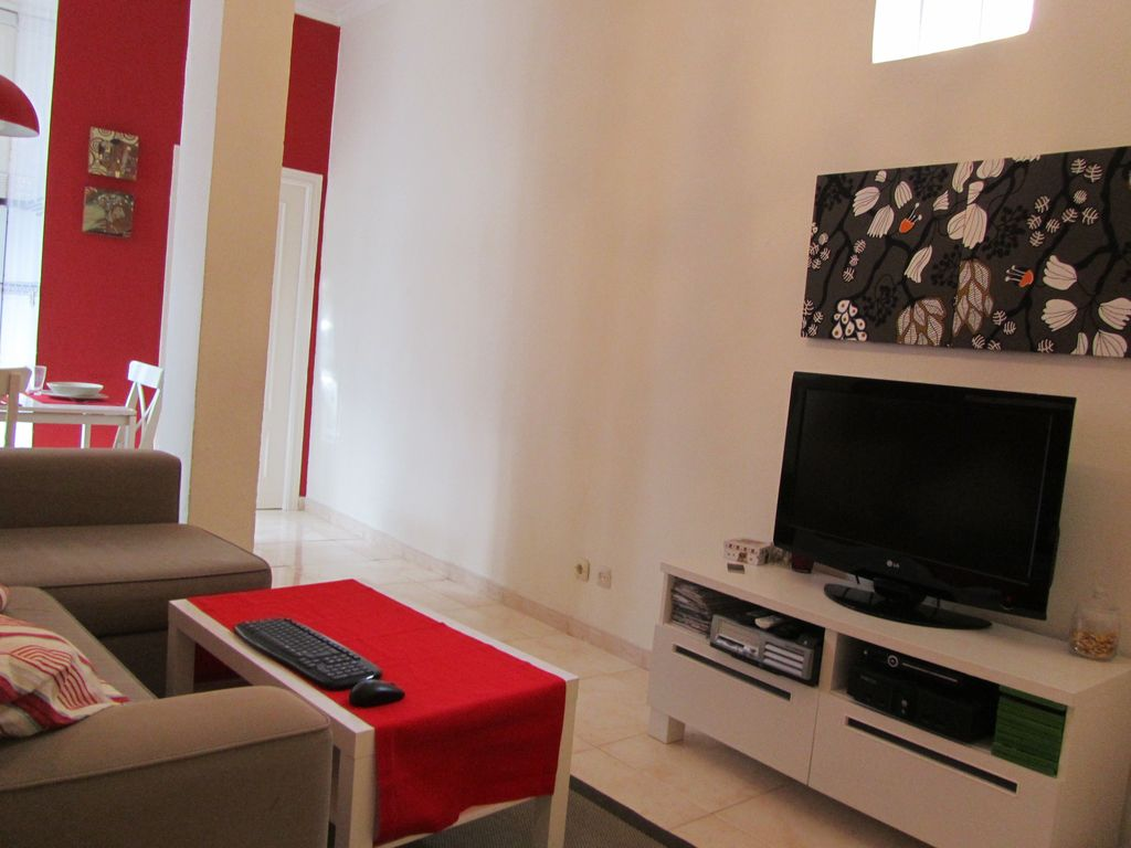 nice two bedroom apartment in central madrid - executive