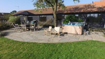Photo for Suffolk retreat with hot tub, sleeping 6-8