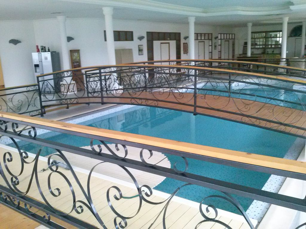 Villa loft 700m with heated indoor swimming pool for Hotel avec piscine interieur