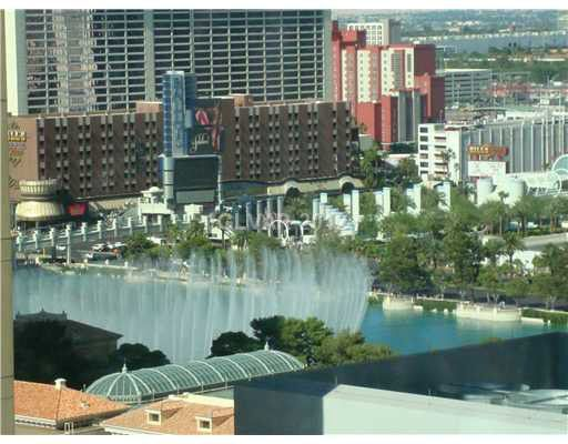 Deluxe Suite at Vdara (Bellagio Fountain View)