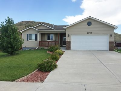 Newer home near interstate access--ONLY 20 min (18 mi) from downtown Sturgis!