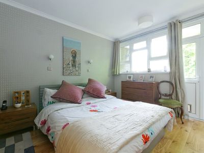 Photo for Great 2 bedroom apartment in Central Greenwich.