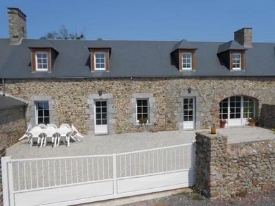 Photo for Gite Gouville-sur-Mer, 4 bedrooms, 10 persons