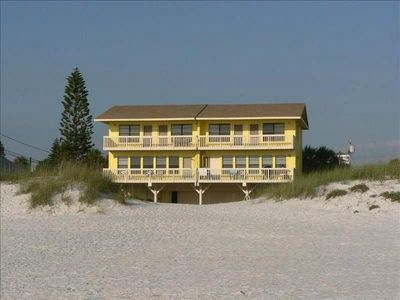 Clearwater Beach House - directly on the white sand beach.