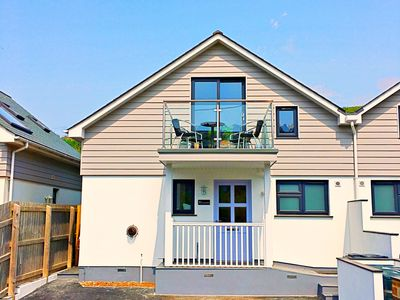 Photo for 3 The Navigators Sleeps 4 (2 Bedrooms) Only 100 meters from the beach