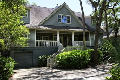 Beautiful Home - 4 bedroom plus loft area. Backporch runs full length of house.