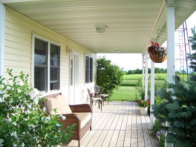 Enjoy the hummingbirds and grill out on the cottage porch.