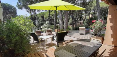 Photo for Beau Mazet 75m2, large garden in pine forest, Private domain with Swimming pool, Tennis ..