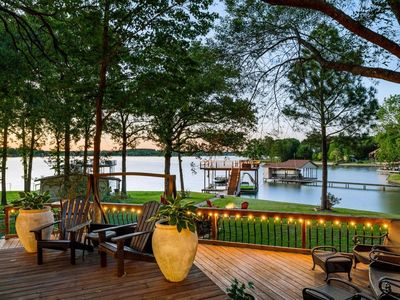 Photo for Lakefront 4 bedroom retreat w/ boatdock/party deck, kayaks and outdoor bar.