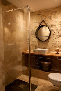 Photo for Apartment-L' authentique-Ensuite with Shower