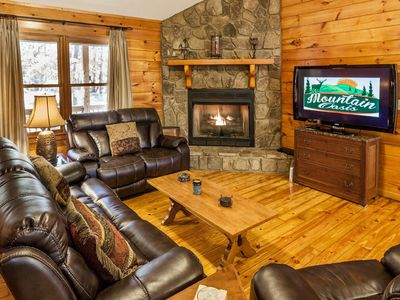 Photo for Dancing Bear - Spacious And Comfy 3 Bedroom Cabin