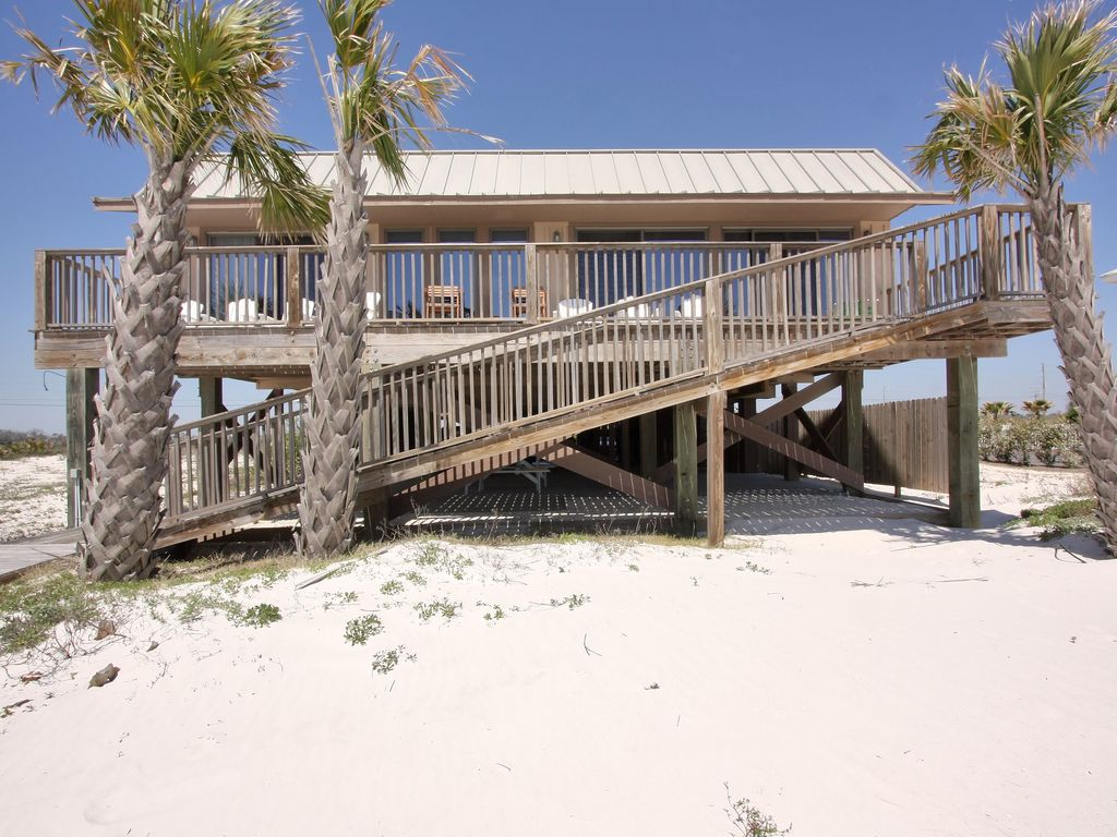 Large Family Beach Home With Sunning Deck And Sitting Area Share Orange Al