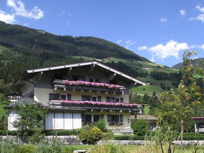 Photo for Apartments Haus Kaserer, Wald im Pinzgau  in Zillertal - 7 persons, 3 bedrooms