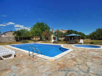Photo for This 5-bedroom villa for up to 12 guests is located in Svetvincenat/Svetvinčenat and has a private s