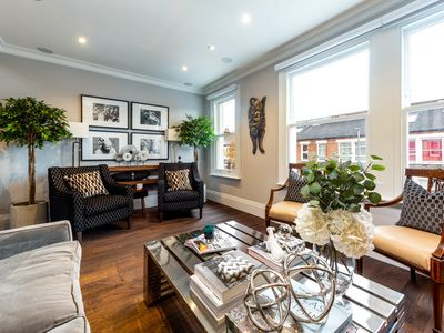 Photo for Luxurious Wandsworth Home close to Putney Heath