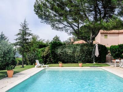 Photo for Vacation home Dalriada in Aix en Provence - 4 persons, 2 bedrooms