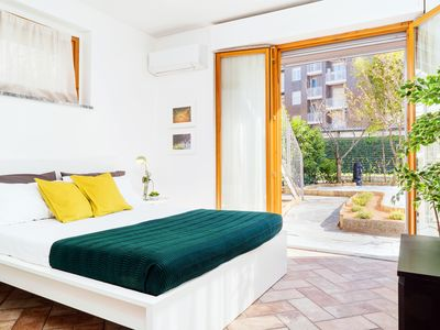 Photo for Villa with garden 300m from metro