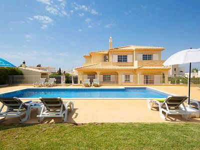 Photo for Attractive Villa w/pool, 15 minutes walk to amenities & the beach