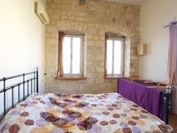 Charming, spacious apartment with a romantic balcony, comfortable beds, full kitchen, A/C works