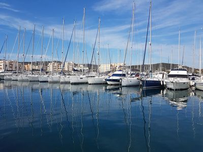 Photo for Bormes La Favière. the Port. Beautiful T2 well equipped - lift - south facing terrace