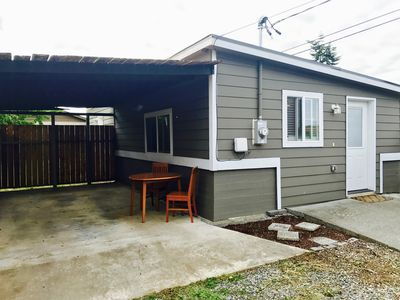 Photo for Downtown Sequim Cottage : Full Kitchen : Luxury Organic Bed
