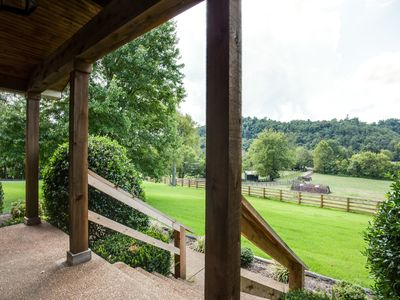 Photo for Luxury Country Getaway With Beautiful Views, Family And Pet Friendly