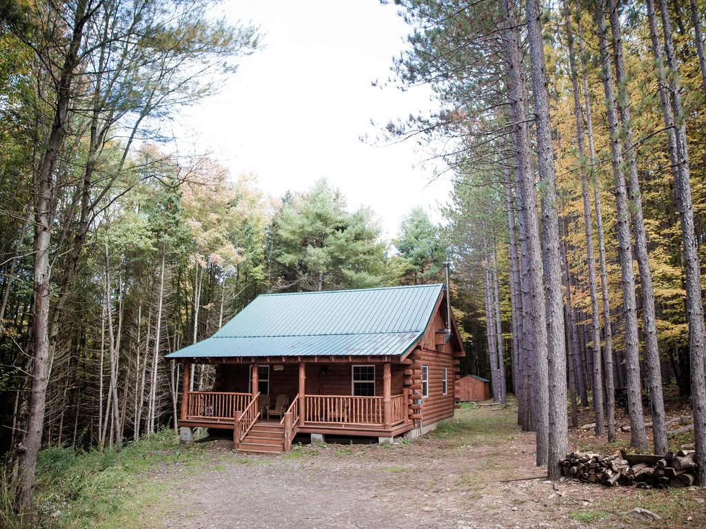 of the luxury in wood cabins ny cabin vrbo heart rentals secluded