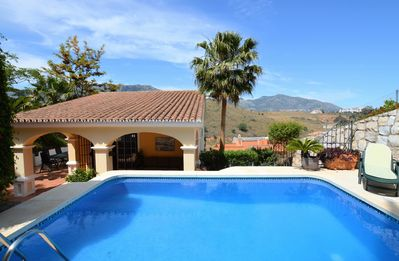 Photo for Villa with Private Pool, Wi-Fi, air con, located just 5 mins from Fuengirola
