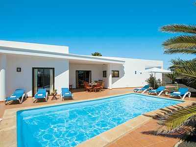 Photo for Villa w/pool in popular community Villas Blancas