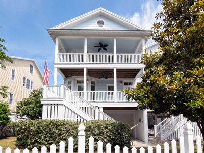 Photo for Beach Bums - Easy Beach Access, Elevator, Screened Porch, Quality Decor