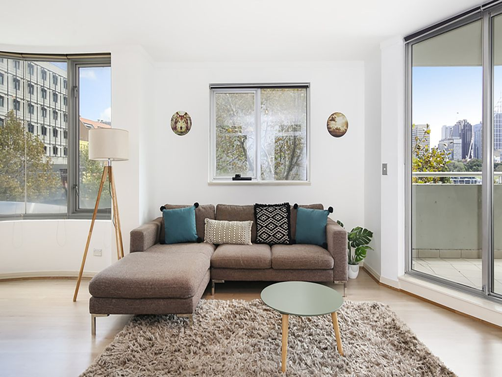 Sydney South Apartment Rental   Comfortable Living Area