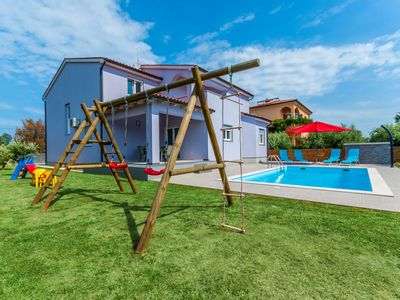 Photo for This 5-bedroom villa for up to 9 guests is located in Pula and has a private swimming pool, air-cond