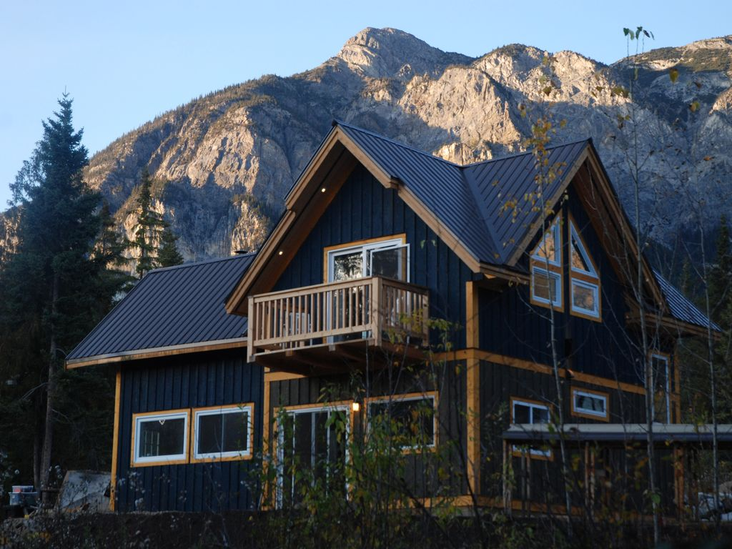 timberframe cabin hidden in canadian rockies golden