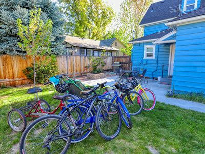 Photo for Lovely two-floor rental near Hyde Park & Camel's Back Park! Now with 4 bikes!
