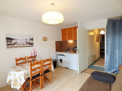 Photo for Apartment facing south with sea views, sleeps 4.