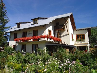 Photo for Large apartment 5 mins walk from the ski lifts in Chantemerle