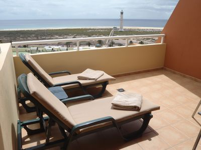 Photo for Cozy and romantic apartment overlooking the beach, terrace, free Wifi