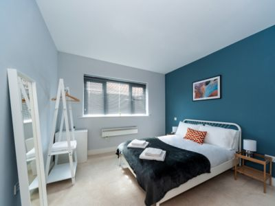 Photo for Modern 2 bed Hitchin apartment. Free parking.
