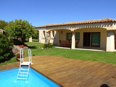 Photo for Stunning private villa for 6 people with A/C, private pool, TV, pets allowed and parking