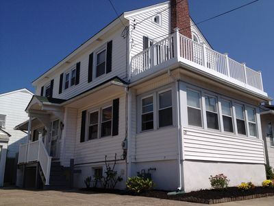 Photo for Charming Summer Beach House - 3BR, driveway, short walk to bay & beach