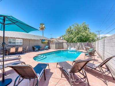 Photo for SCOTTSDALE OLD TOWN OASIS! SLEEPS 22! RESORT POOL!