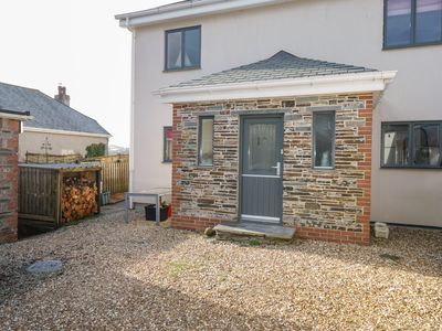 Photo for VALLEY VIEW, pet friendly, with open fire in Camelford, Ref 1001396