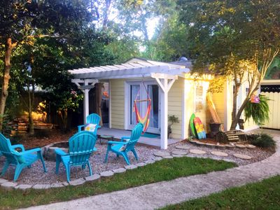 Romantic Beach Style Cottage Minutes From Historic Charleston & Folly Beach!