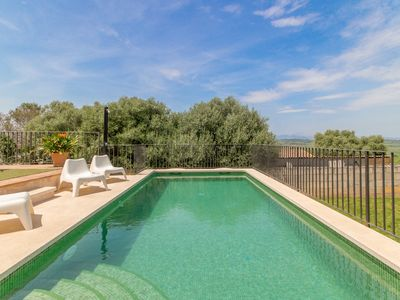 Photo for Finca for 8 plus 2 children, with pool and air conditioning, in Maria de la salut, Mallorca