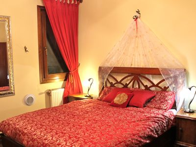 Photo for Beautiful Venetian Retreat in the Heart of Dorsoduro very close to Accademia