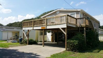 Photo for 2027 Lark: 3 BR / 2 BA 3 br house in Surfside Beach, Sleeps 10