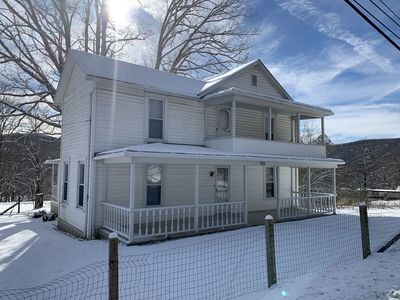 Photo for Only 15 minutes to Snowshoe Mountain. Perfect family vacation home.