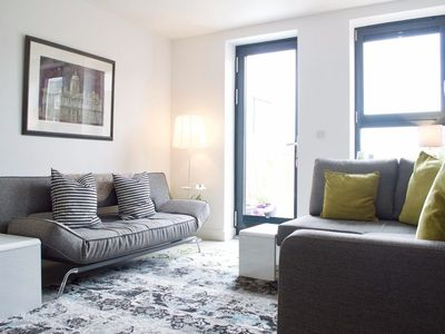 Photo for Central 2 Bedroom Apartment With Free Parking