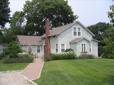 Charming cottage, large front & side yards, storage shed, pvt outdoor shower